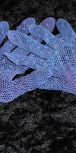 gloves mauve net kids